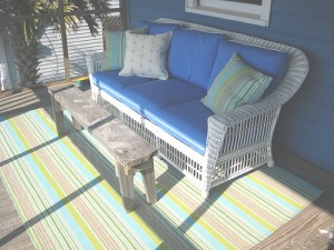 A good example of how an outdoor rug can soften the patio space.