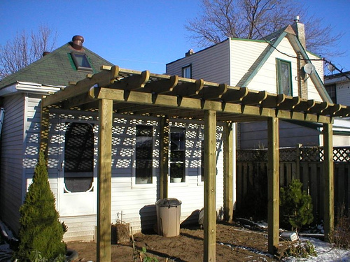 How to build a pergola building a pergola pergolas for Cenadores de jardin