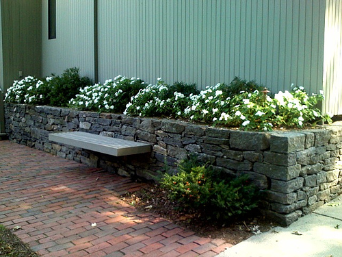 Landscaping Ideas For Backyard With Retaining Wall : Landscaping Ideas for Front Yard  Front Yard Landscaping Ideas