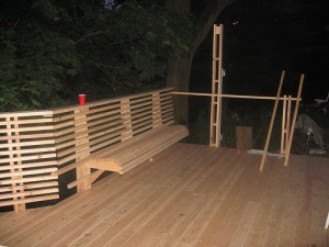 deck railing ideas_wood_bench